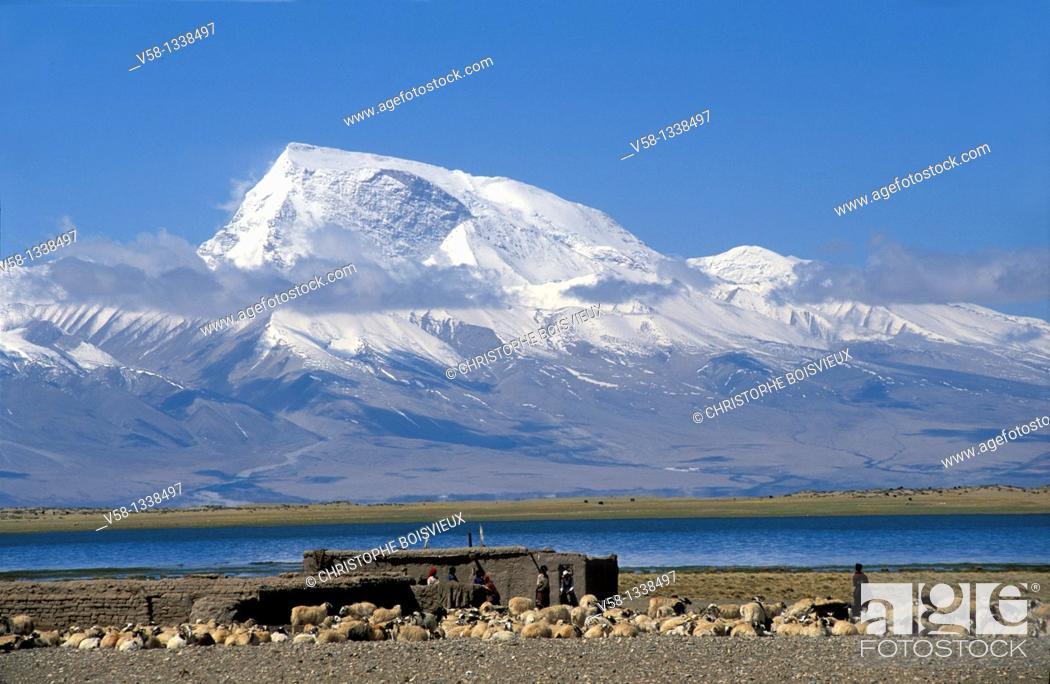Stock Photo: Mount Gurla Mandhata (7728 m), Barkha region, Tibet.