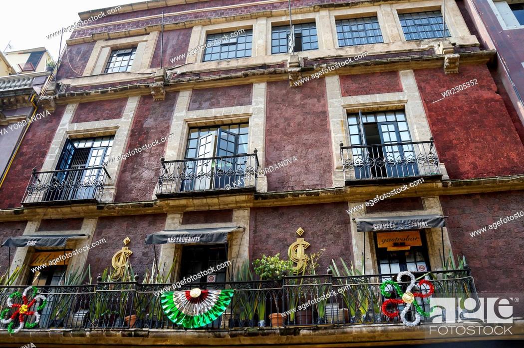 Imagen: Classic Building in Centro Historico Mexico City, Mexico.