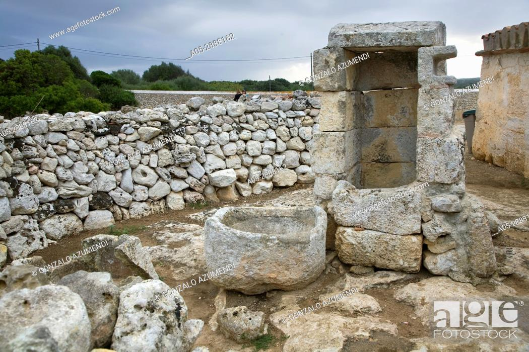 Imagen: Taula de Torralba. Prehistoric Village of Torralba d'en Salord. Minorca. Balearic Islands. Spain.