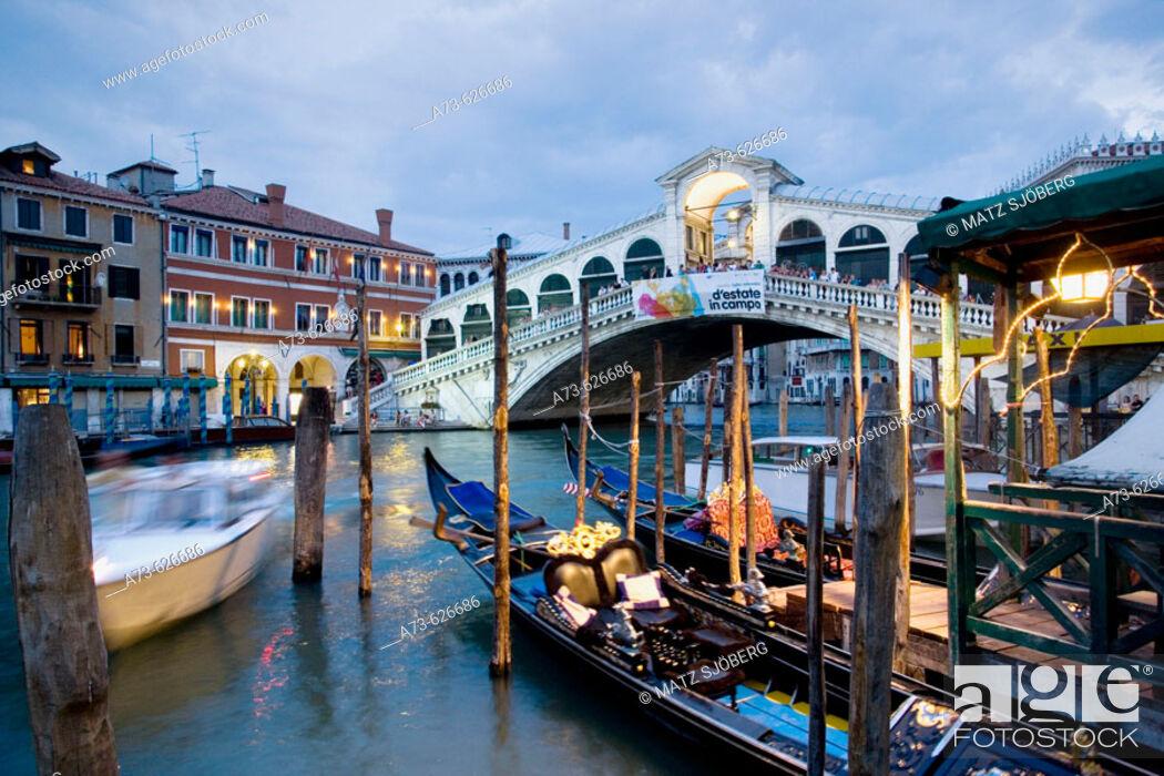 Stock Photo: Canal Grande. The Ponte (bridge) di Rialto. Venice. Italy.