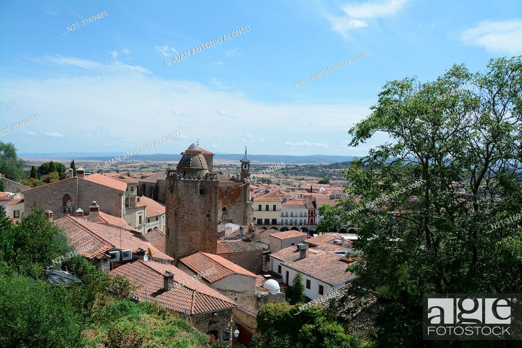 Stock Photo: Partial view of Trujillo from the walled city. We can see the Torre del Alfiler and beyond, San Martin Church.Trujillo, Caceres, Extremadura, Spain, Europe.
