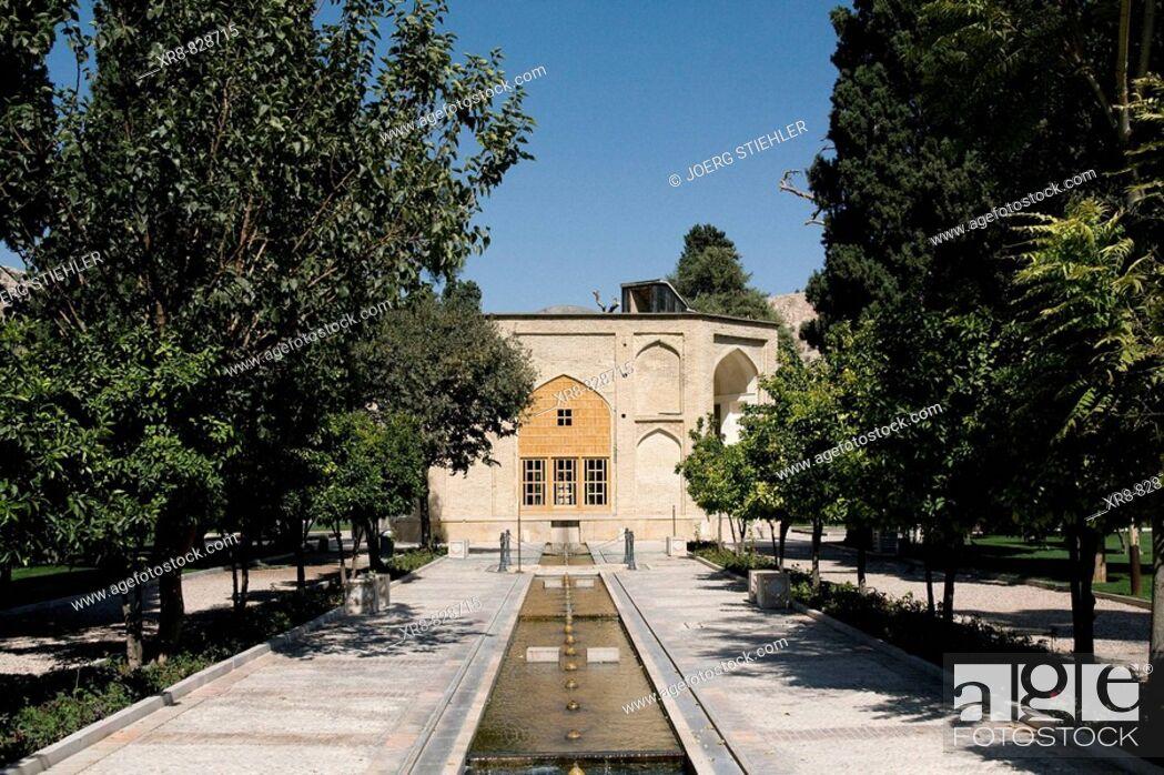 Stock Photo: Iran, Shiraz, Jaham nama Garden.