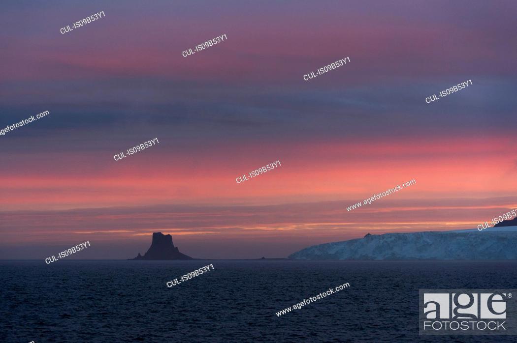 Stock Photo: Sunset sky over Livingstone Island, English strait, Antarctica.