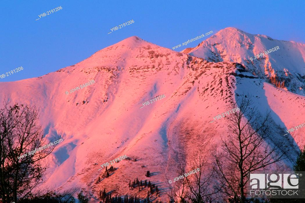 Stock Photo: Mears Peak at sunset with fresh autumn snowfall, Uncompahgre National Forest, Colorado, USA.