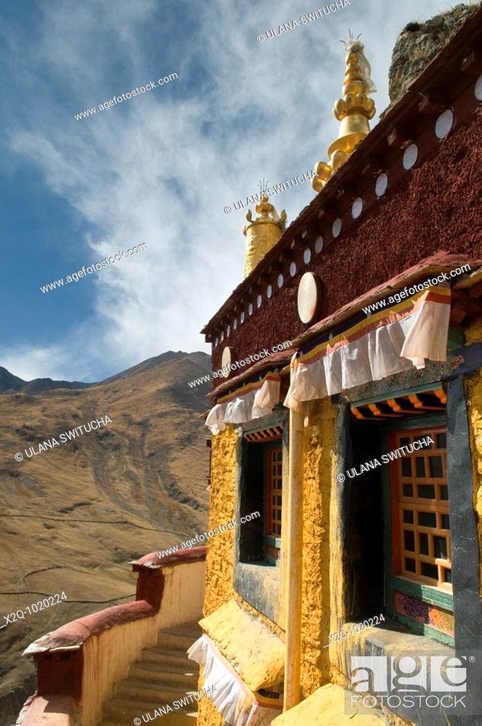 Stock Photo: Drak Yerpa hermitage and meditation caves, Tibet.