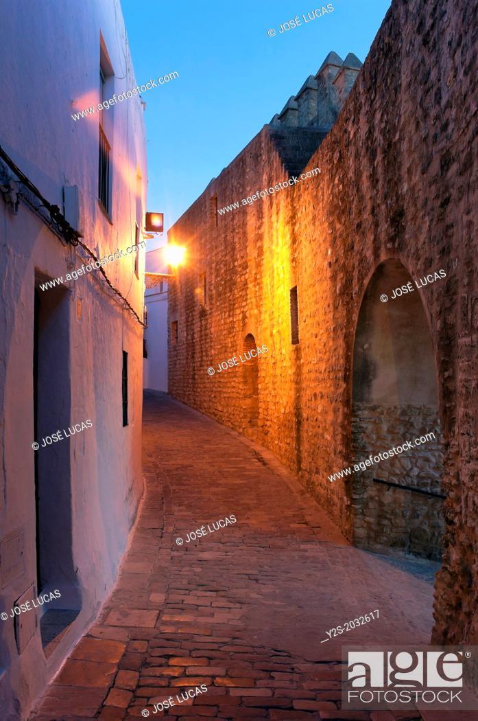 Stock Photo: Walls and Alley of La Juderia, Vejer de la Frontera, Cadiz-province, Region of Andalusia, Spain, Europe.