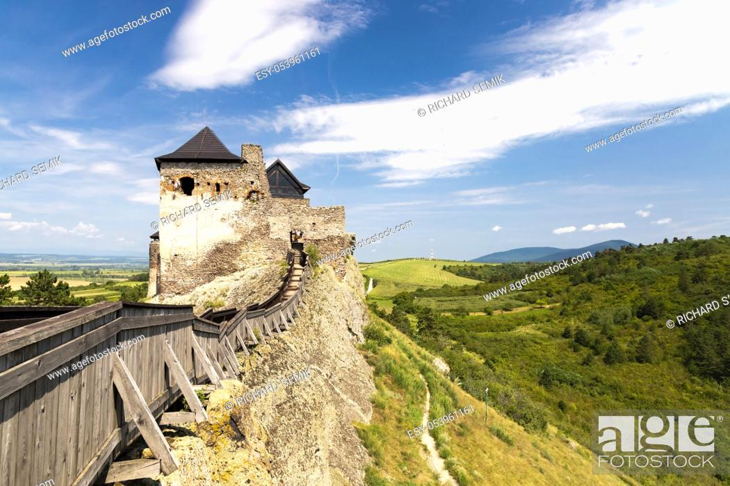 Imagen: Castle of Boldogko in Northern Hungary.