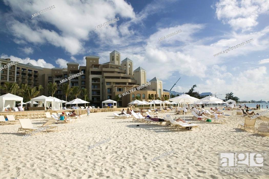 Stock Photo: Cayman Iceland, Grand Cayman, Seven Mile Beach, Hyatt Regency hotel, beach, deck chairs, tourists, ABC-Inseln, little one Antilles.