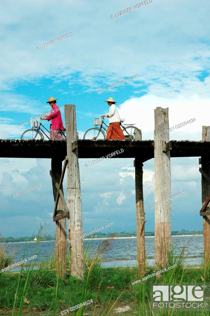 Stock Photo: U Bein Bridge, Mandalay.