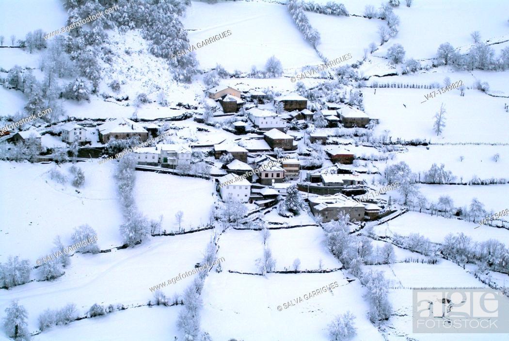 Stock Photo: snowy village, El Pino, Asturias, Spain, Europe.