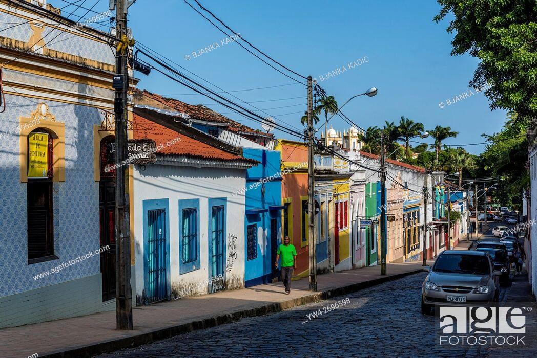 Photo de stock: Brightly painted houses, Olinda, Pernambuco, Brazil.