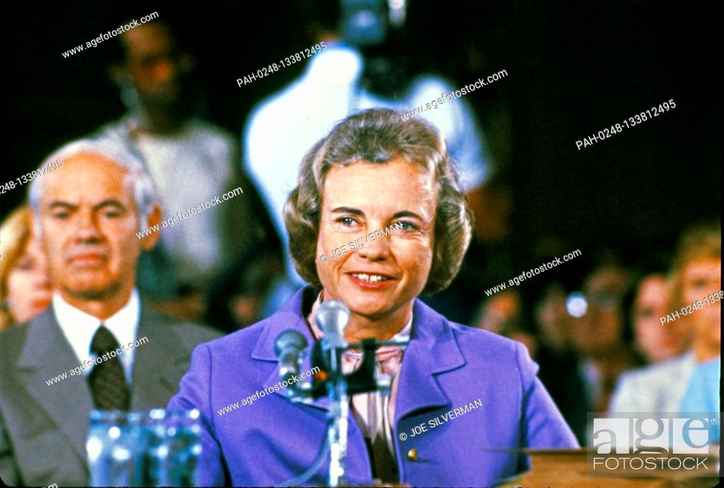 Imagen: Judge Sandra Day O'Connor, of the Arizona Court of Appeals, United States President Ronald Reagan's nominee as Associate Justice of the Supreme Court to replace.