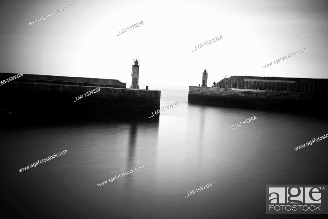 Stock Photo: Harbour, Tapia de Casariego, Asturias, Spain.