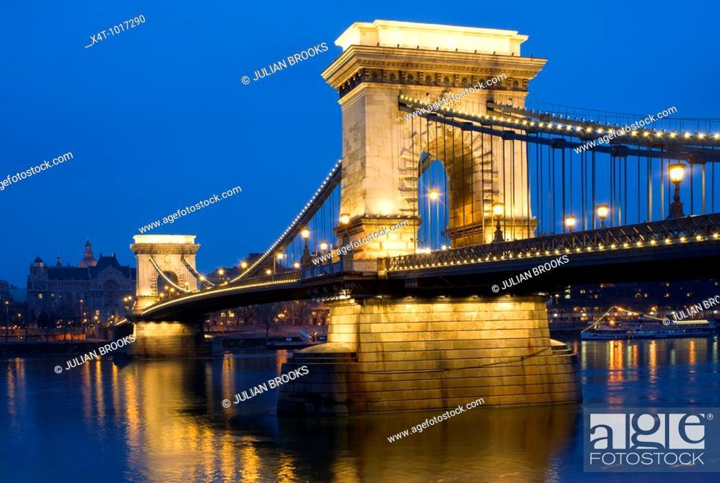Stock Photo: The chain bridge in Budapest, Hungary, looking towards Pest, night scene.