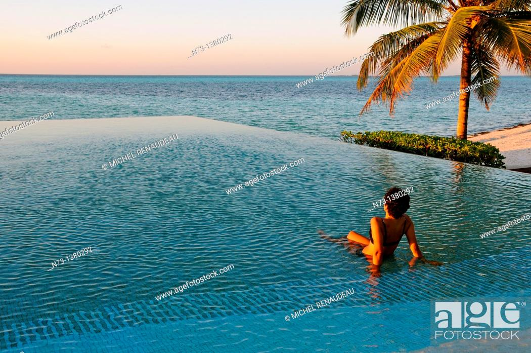 Stock Photo: Indian Ocean, Maldives, South Ari Atoll, Dhidhoofinolhu, Diva Resort, Naiad,.