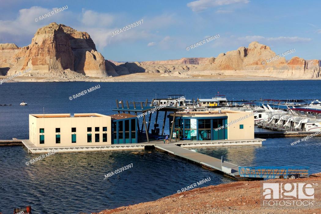 Stock Photo: Wahweap Bay, Marina, Glen Canyon National Recreation Area, Utah, USA.