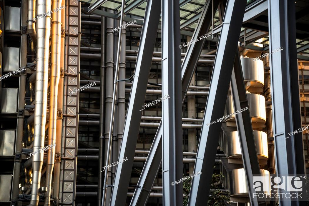 Stock Photo: Lloyd's building, 1 Lime St, Square Mile, City of London, UK.