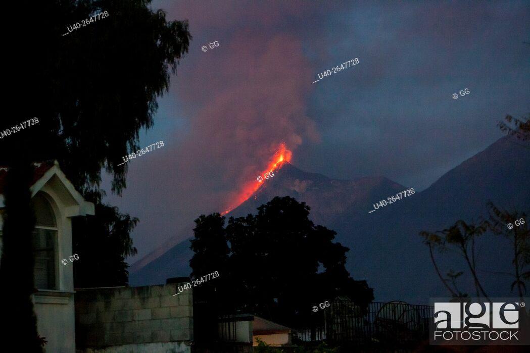 Stock Photo: Guatemala, Volcan de Fuego erruption.