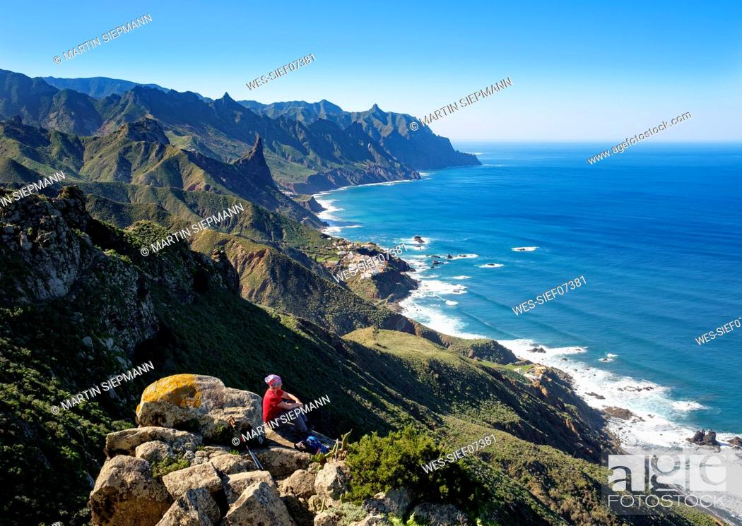 Photo de stock: Spain, Canary islands, Tenerife, Anaga mountains, coast and village Almaciga.