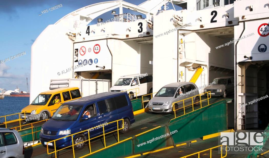 Vehicles disembarking naviera armas ferry in puerto de la for Horario oficina naviera armas las palmas