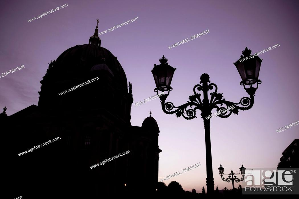 Stock Photo: Germany, Berlin, Berlin-Mitte, Berlin Cathedral in the evening.