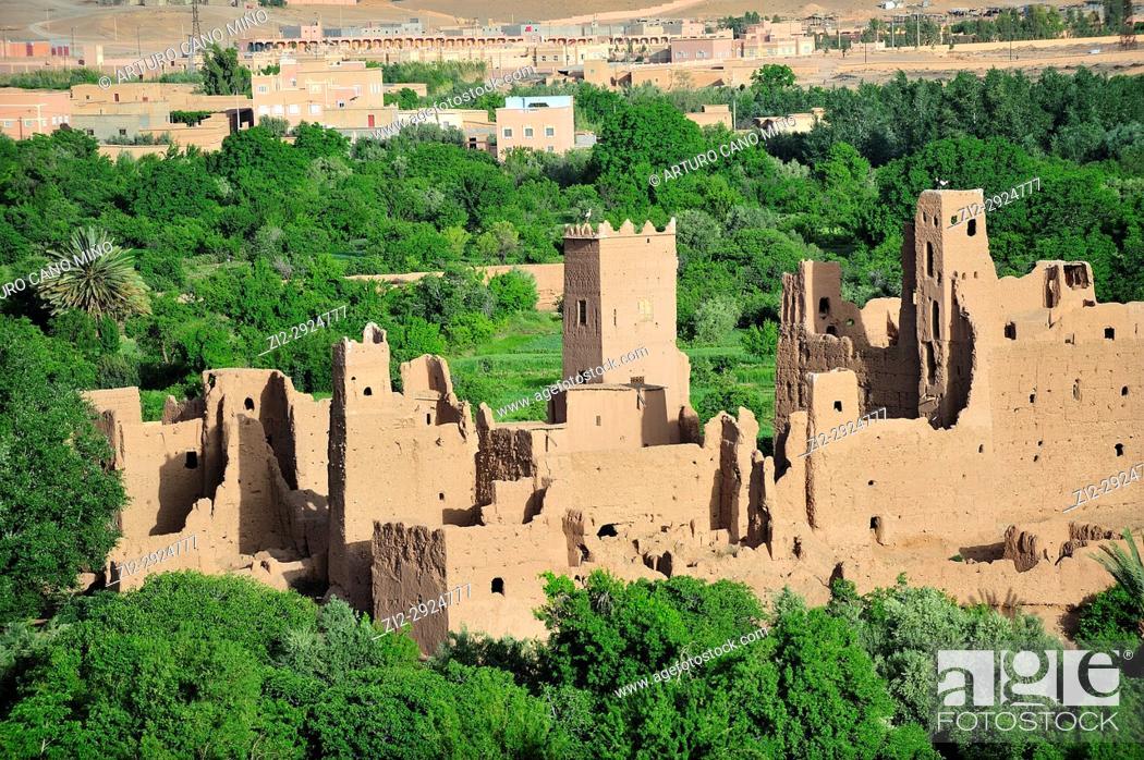 Stock Photo: Kasbah in ruins. Kelaa M'gouna. High Atlas. Morocco.