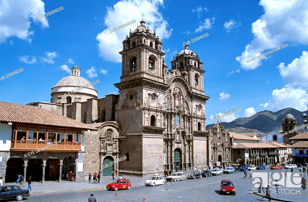 Stock Photo: Iglesia La Compania de Jesus, Plaza de Armas.
