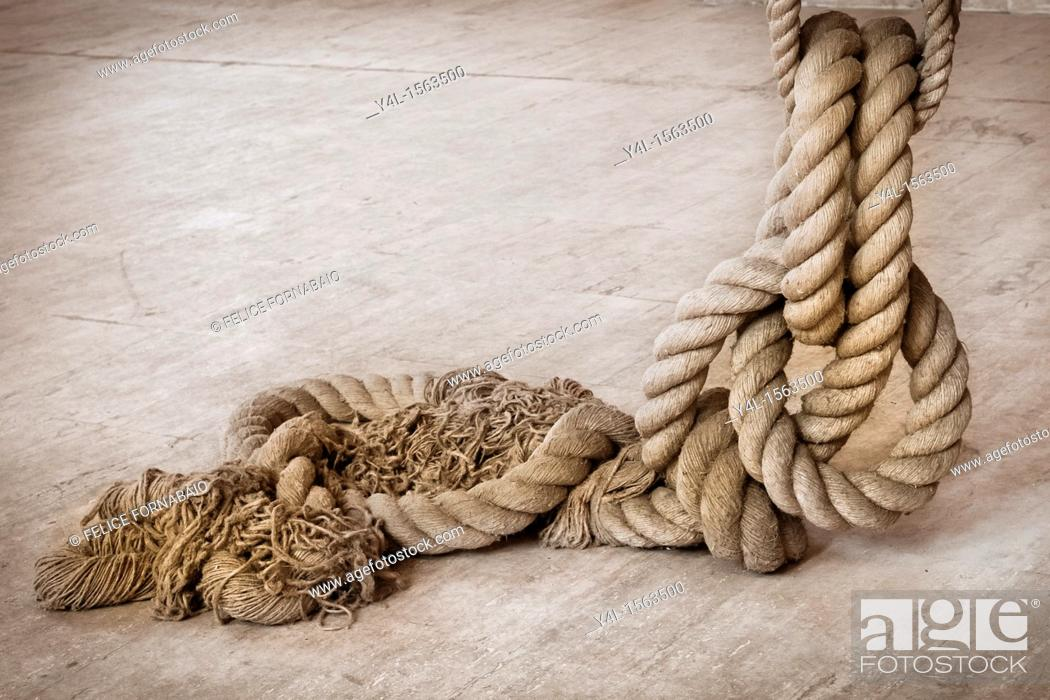 Stock Photo: Old Rope.