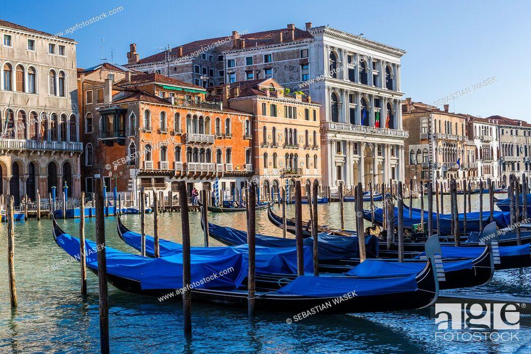 Stock Photo: Grand Canal seen from Riva del Vin, Venice, Veneto, Italy, Europe.