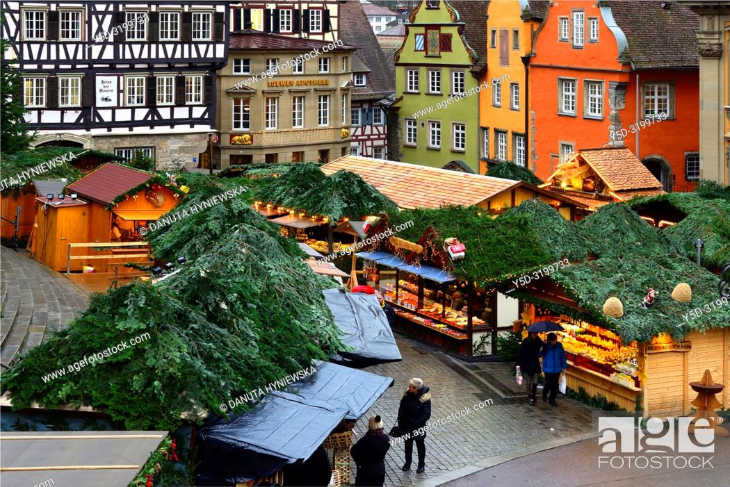 Imagen: Christmas market at Marktplatz, historic part of Schwäbisch Hall, Schwäbisch Hall, Baden-Württemberg, Germany, Europe.