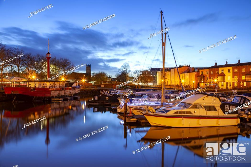 Imagen: Winter evening at Bristol Harbour, England.
