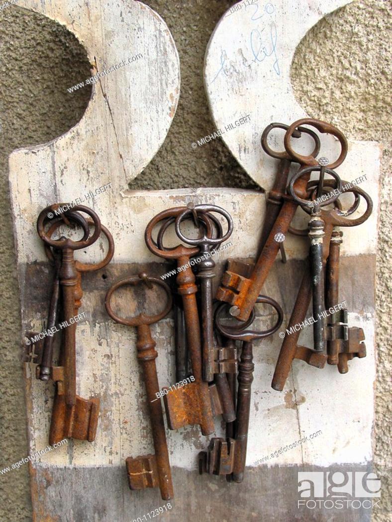 Stock Photo: Keys, key rack, bunch of keys, Isle-sur-la-Sorgue, France.