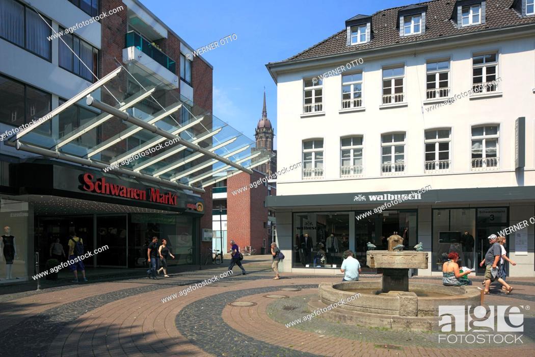 Stock Photo: Germany, Krefeld, Rhine, Lower Rhine, Rhineland, North Rhine-Westphalia, NRW, Schwanenmarkt, market place, Schwanenbrunnen, spring, Schwanenmarkt City Center.