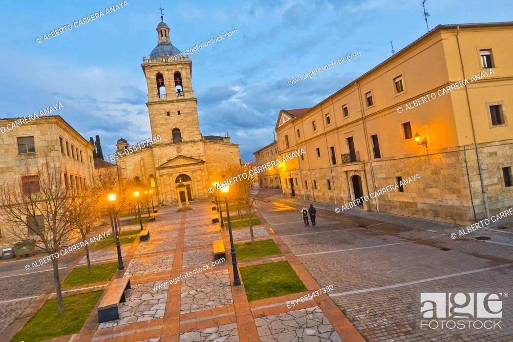 Stock Photo: Herrasti Square, Cathedral of Santa María, Ciudad Rodrigo Cathedral, 12th-14th century, Romanesque Style, Ciudad Rodrigo, Medieval Town.
