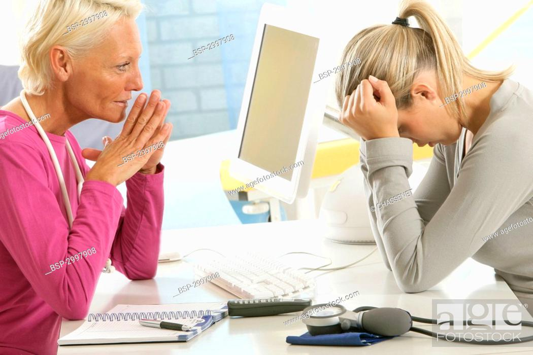 Stock Photo: WOMAN IN CONSULTATION, DIALOGUE Models.