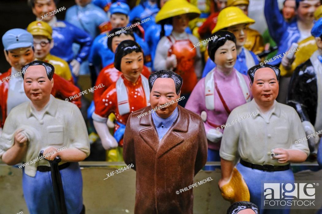 Stock Photo: Chine, Hong Kong, Hong Kong Island, quartier branché de Soho, Hollywood road, marché aux puces à Cat Street / China, Hong Kong, Hong Kong Island.