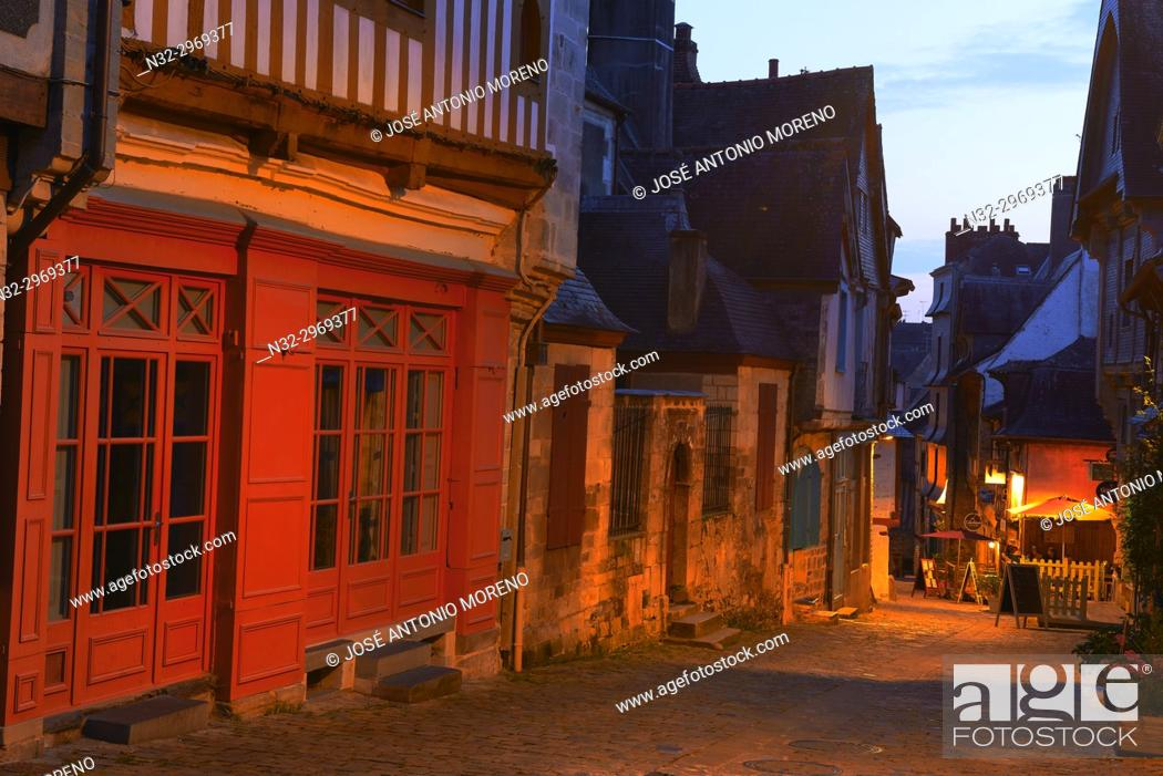 Stock Photo: Vitre, Ille-et-Vilaine, Old Town, Dusk, Bretagne, Brittany, France.