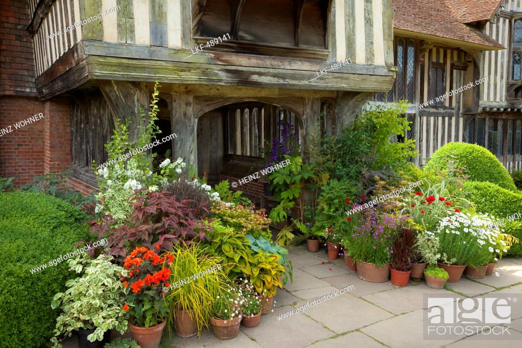 Pleasing Flowers At The Entrance Of The Manor House Northiam Great Download Free Architecture Designs Rallybritishbridgeorg