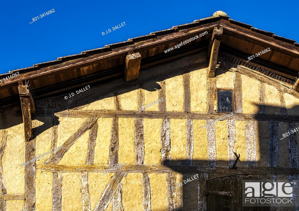 Stock Photo: France, Nouvelle Aquitaine, Lot et Garonne, 16th Century. House at Villereal.