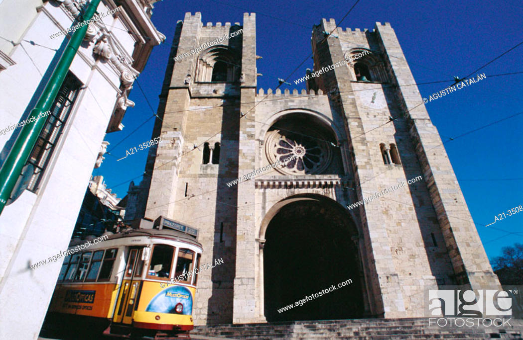 Stock Photo: Streetcar in front of cathedral. Lisbon. Portugal.