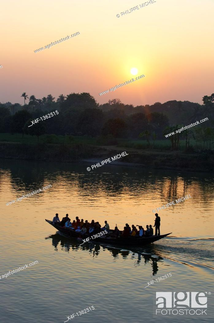 Stock Photo: India, West Bengal, Hooghly river, part of Ganges river.
