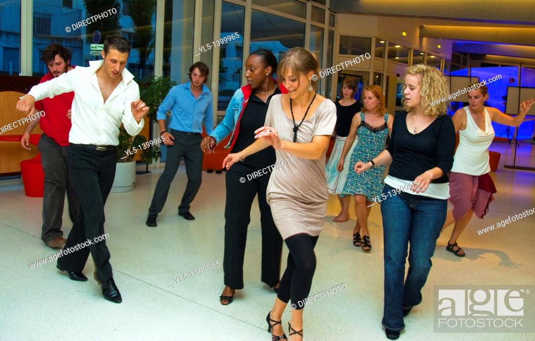 Imagen: Paris, France, Teenagers Learning, to Dance Salsa, in Class, with female Instructor.