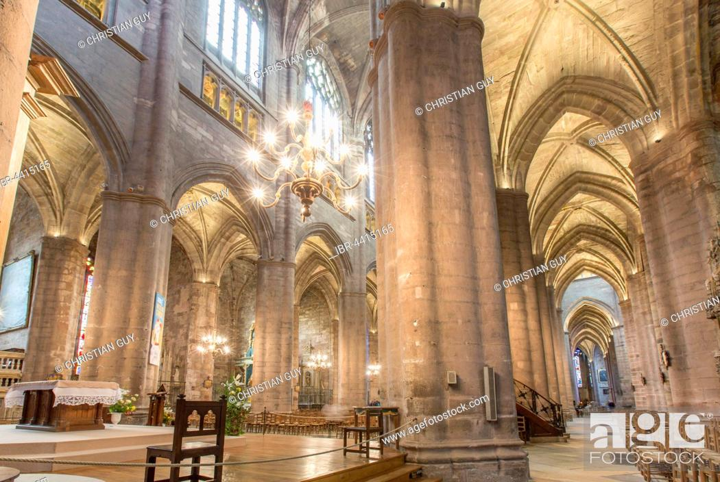 Stock Photo: Interior, Notre-Dame Cathedral, 12th-16th century, Rodez, Aveyron, Languedoc-Roussillon-Midi-Pyrénées, France.
