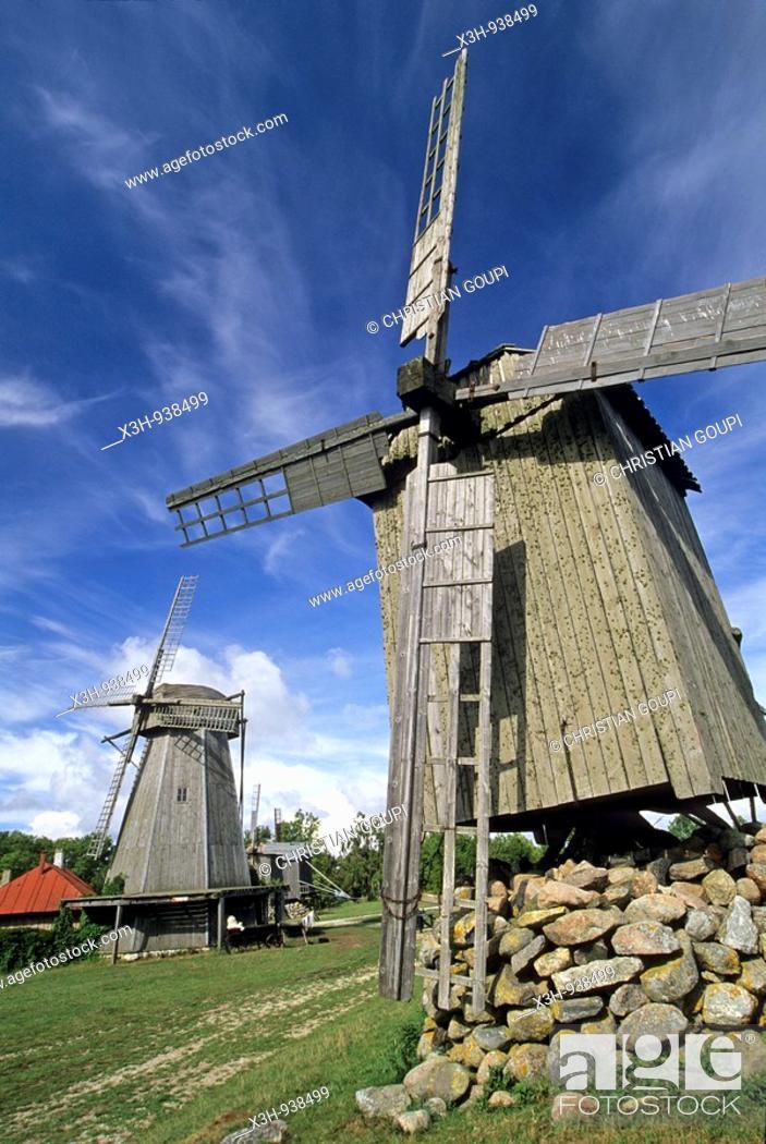 Stock Photo: moulins a vent d'Angla, ile de Saaremaa,region de Saare,Estonie,pays balte,europe du nord.