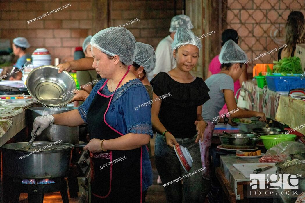 Stock Photo: TRADITIONAL HMONG MARKET, THE HMONGS ARE PEOPLE FROM ASIA, VILLAGE OF CACAO, FRENCH GUIANA, OVERSEAS DEPARTMENT, SOUTH AMERICA, FRANCE.