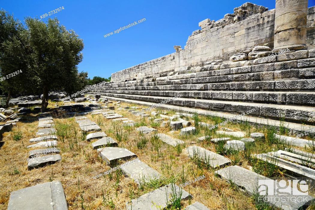 Stock Photo: Temple of Apollo. Didyma. Ancient Classic Greece. Asia Minor. Turkey.