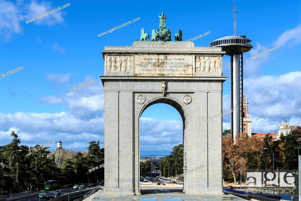 Stock Photo: View of the Arco de la Victoria in Moncloa quarter, Madrid city, Spain.