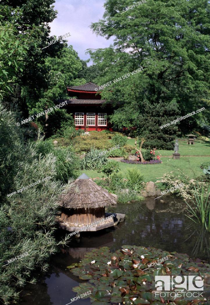 Leverkusen Japanischer Garten Teich Und Teehaus Stock Photo