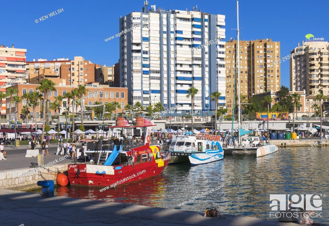 Imagen: Malaga, Costa del Sol, Malaga Province, Andalusia, southern Spain. Excursion boats docked at Muelle Uno.