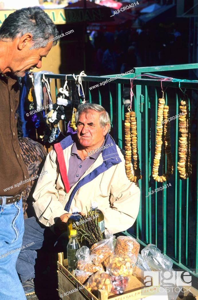 Stock Photo: Croatia - Sibenik - Le marché.